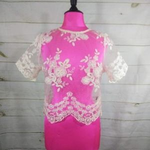 Short Sleeve Lace w/ Embroidery Crop Top